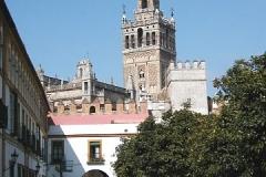 Věž Giralda od sevillské katedrály