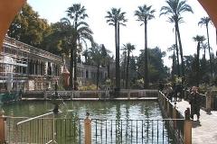 Park v palácovém komplexu Alcazar