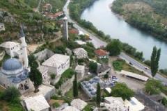 Pohled z věže tyčící se nad městem
