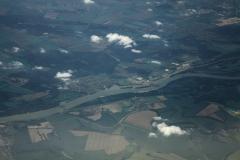 Pohled na Dunaj mezi Maďarskem(nahoře) a Slovenskem (dole)