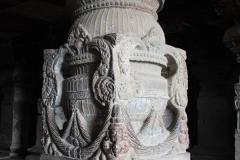 Skalní chrámy Ellora. Byly hezčí než v Ajantě.