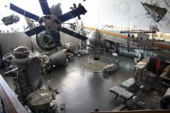 Uvnitř muzea se nachází plno zajímavostí a satelitů.