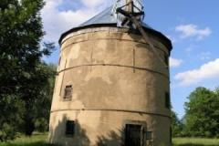 Bývalý větrný mlýn v osadě Světlík