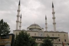 Největší mešita ve městě - Kocapete Camii