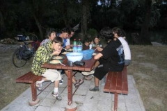 Večeře u známých na chatě.