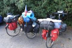 Naše kola - zleva: kolo Hajny, moje a Iljovo.
