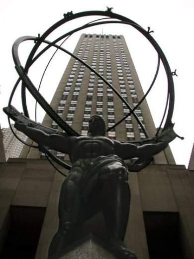 Mohutný Atlas držící zeměkouli