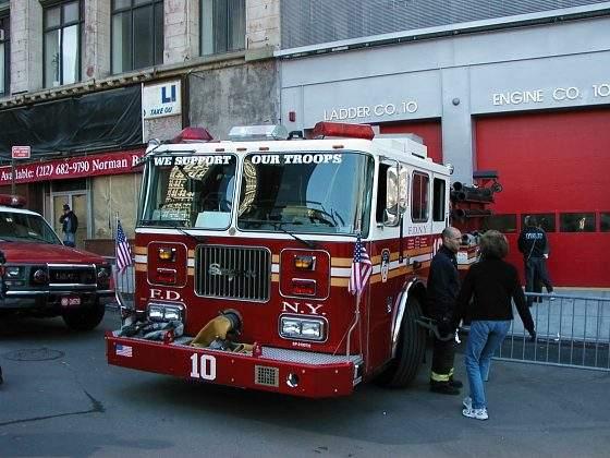 Hasičský vùz New Yorských hasičů (FDNY)
