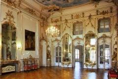 Uvnitř zámku