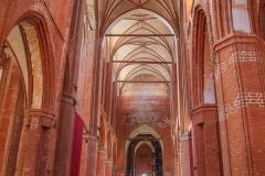 Uvnitř katedrály ve Wismaru