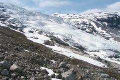 Jeden z mnoha splazů ledovce Jostedalsbreen