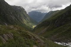Někde dole v údolí je Odda