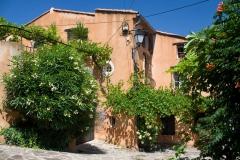 Domečky ve vesnici
