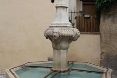 Pernes les Fontaines - městečko 40 fontán