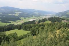Pohled ze Sonnenturm - odpočívadlo na dálnici z Grazu směrem na Tarvisio