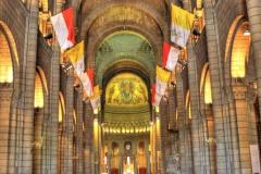 Uvnitř katedrály