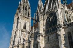 Dóm Sv.Petra - největší katedrála ve městě
