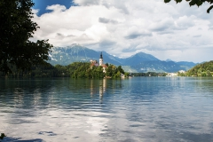 Bledské jezero s kostelíkem na ostrově