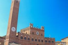 Náměstí a radnice v Sieně