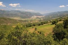 Údolí v délce 150 km se staví všude vodní elektrárny.