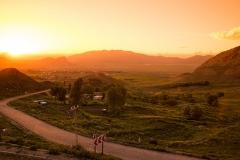 Západ slunce nad městem Doğubayazıt