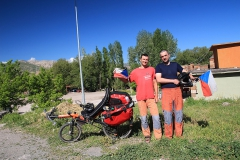 Potkal jsem čecha na motorce co jel kolem černého moře a měl stejné kalhoty jako já :-)