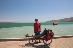 Tady končím - u jezera ve městě Tatvan po 1460 km cesty na kole a 17 výškových kilometrů.