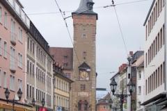 Augustinerstrasse a radnice na konci